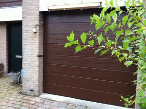 AW40 sectionaaldeur breed geprofileerd woodgrain